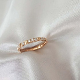 """Mrs Space extra wide"" ring in gold with ten TW/VS diamonds (tot 0.30ct)"