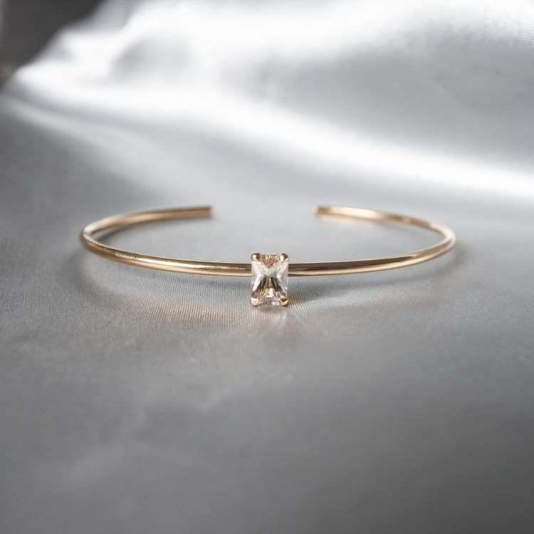 """""""Radiant"""" armband i silver eller 18K guld med en champagne morganit"""