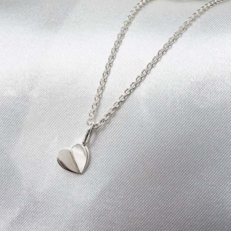 """Lucky Heart"" hänge i silver"