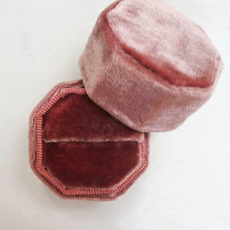 Velvet box, Burgundy, octagon