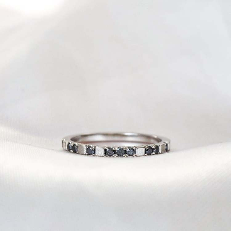"""Mrs Space"" Ring in gold with black diamonds"