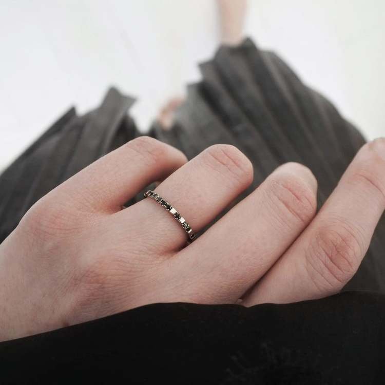 """""""Mrs Space"""" Ring in gold with black diamonds"""