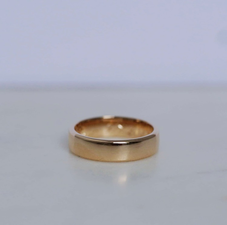 """Uranus"" 5mm gold ring"
