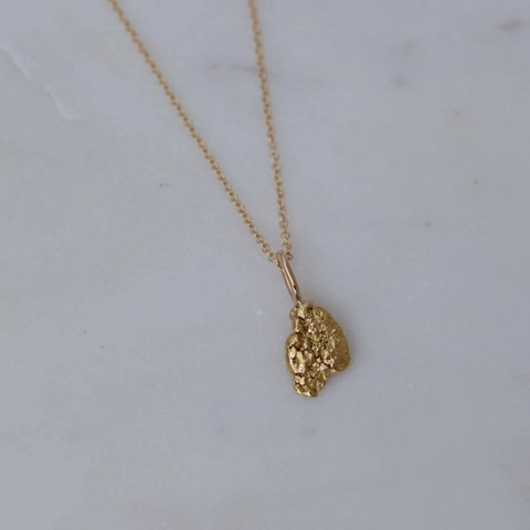 """Nugget"" pendant in gold from Australia"