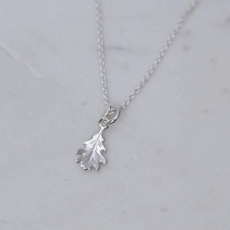 """Oak leaf"" pendant in silver"