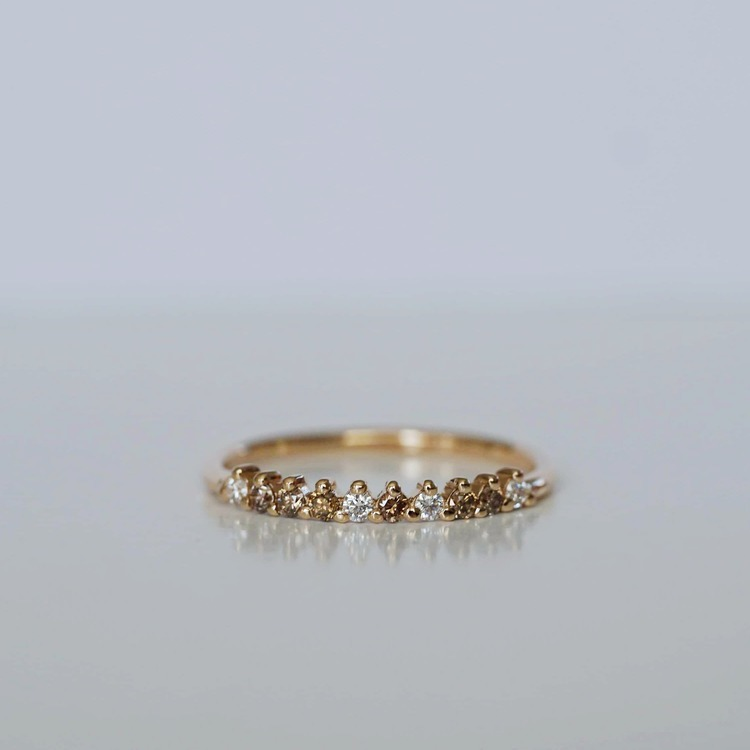 """Cleopatra"" ring in gold with mixed white & champagne diamonds"
