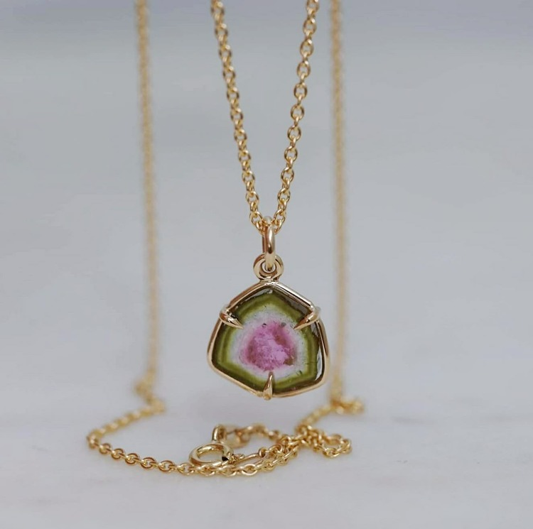 """""""Watermelon"""" pendant in gold with a tourmaline slice"""