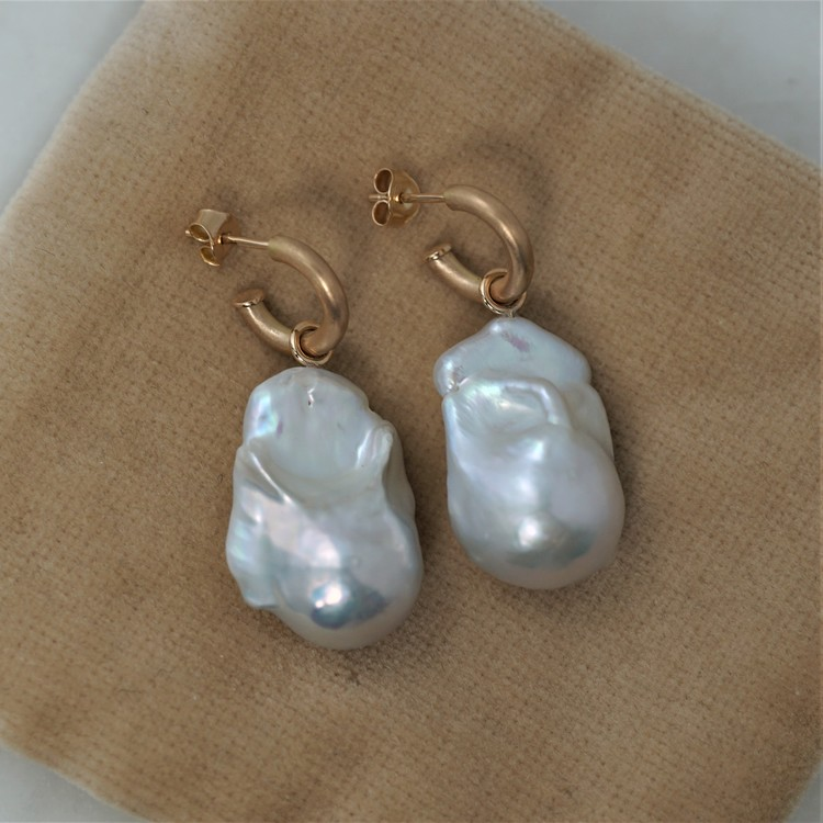 """""""Round Hoops"""" with super big freshwater pearls"""
