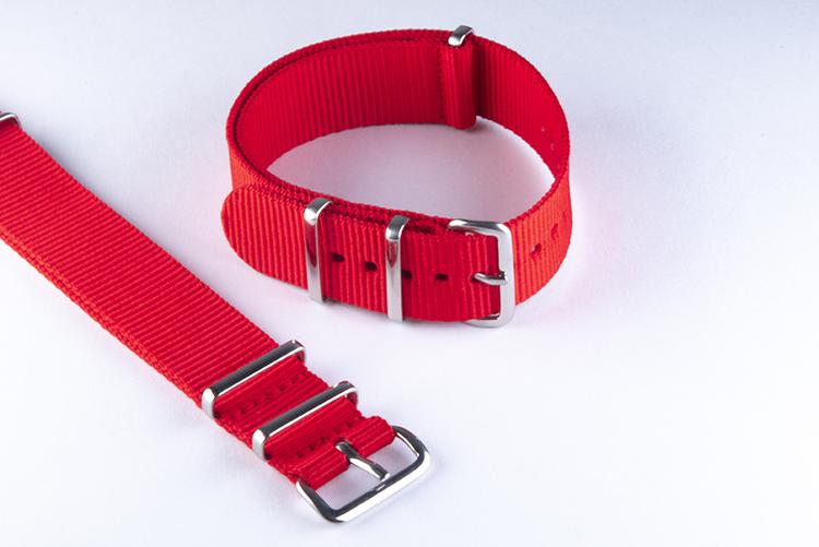 Röd nato klockarmband