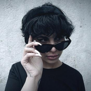 Amy solglasögon i återvunnen plast