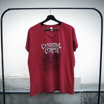Cannibal corpse t-shirt röd (XL)