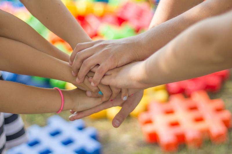 Vad är vuxendöv, babytecken och skillnad på TSS och Teckenspråk?