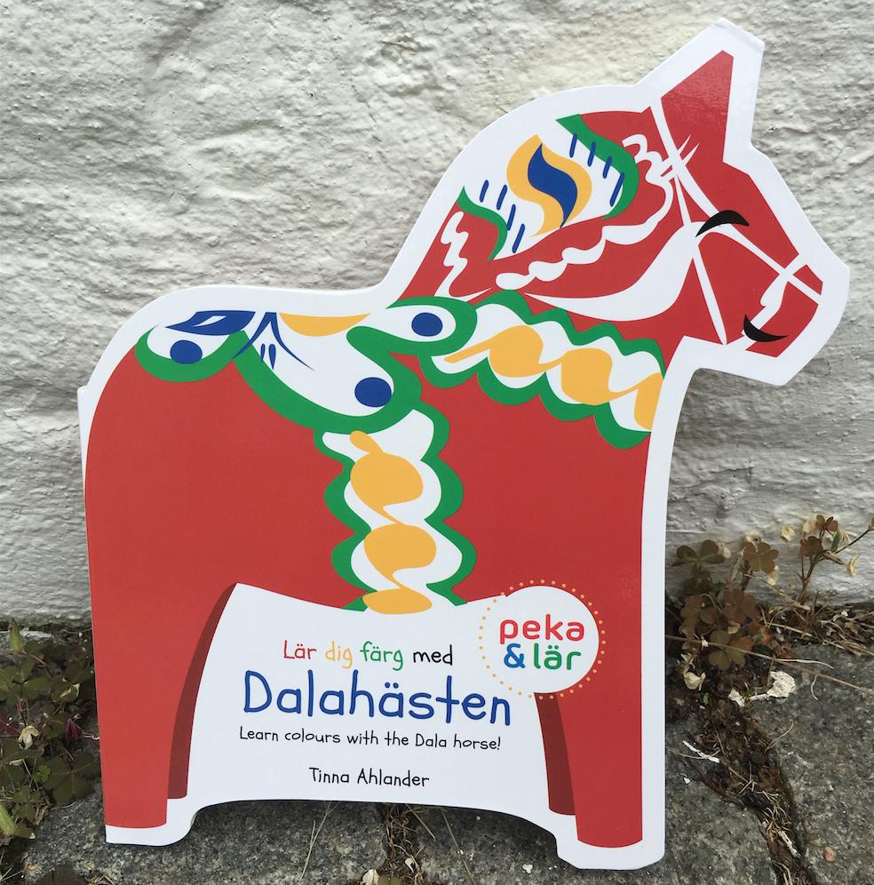 Lär dig färg med Dalahästen av Tinna Ahlander