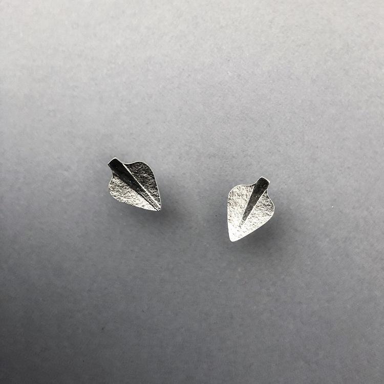 Örhängen, små hjärtformade löv