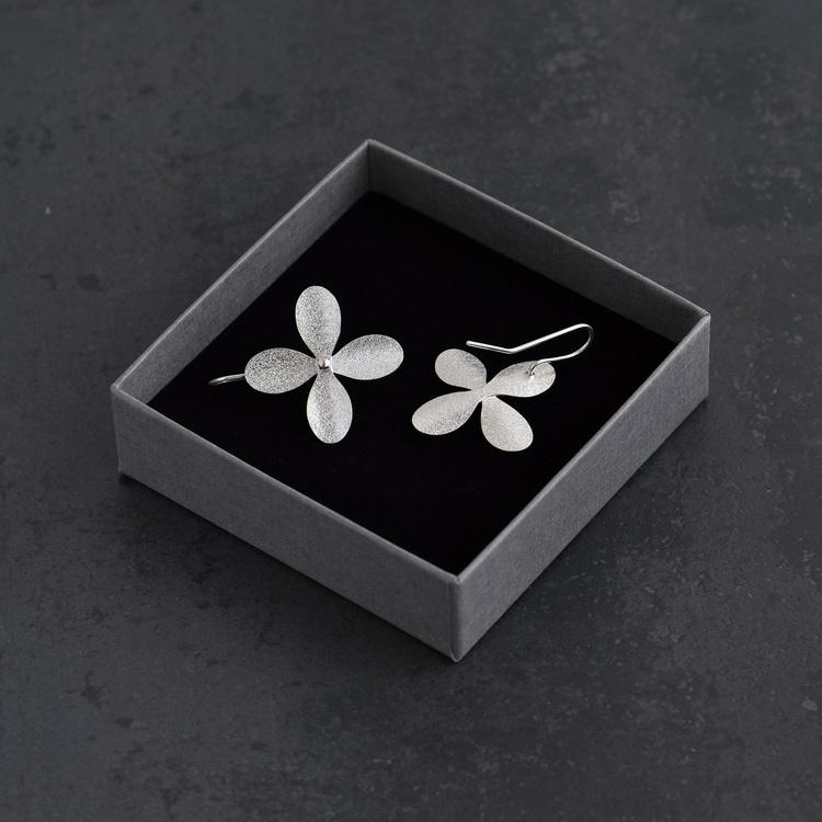 Örhängen, blomma med fast krok (large)