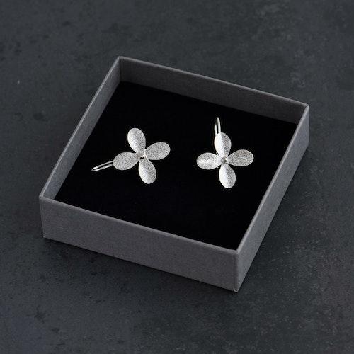 Örhängen, blomma med fast krok (small)