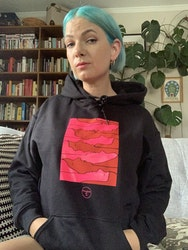 "Svart hoodie ""trötta kvinnor"""