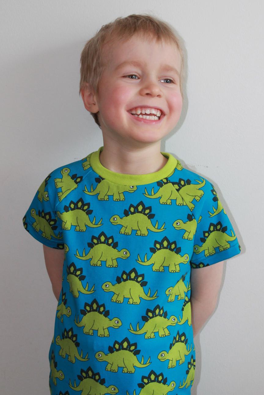ÖKO-TEX  T-shirt med dinosaurier