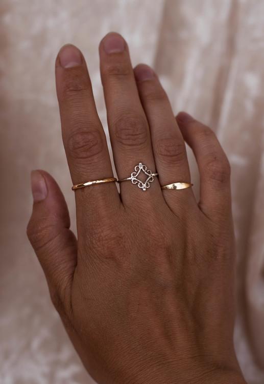 ''Fri'' Silver Ring