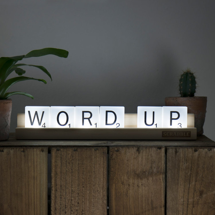 Scrabble tile lights - Lampa