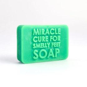 Tvål- Miracle Cure för Illaluktande Fötterna