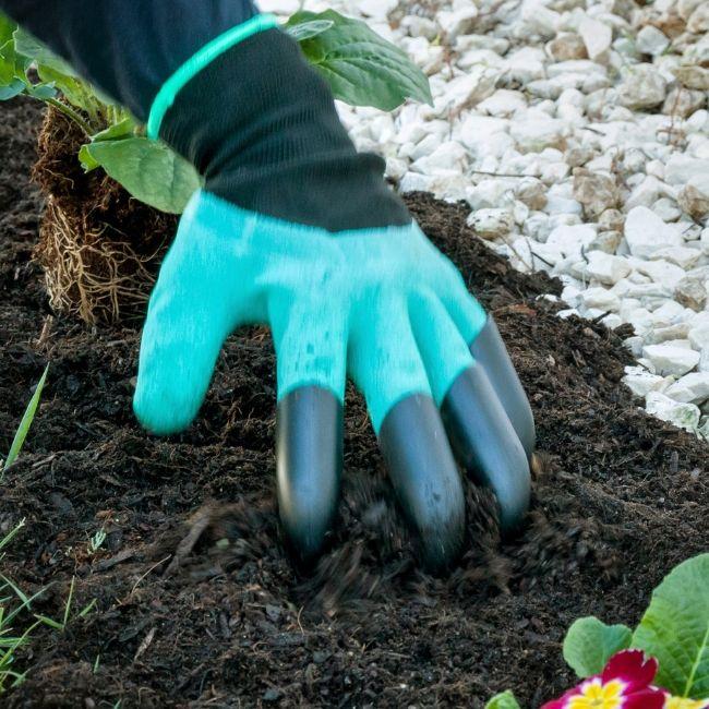 Gräva säkert med trädgårdshandskar med klor