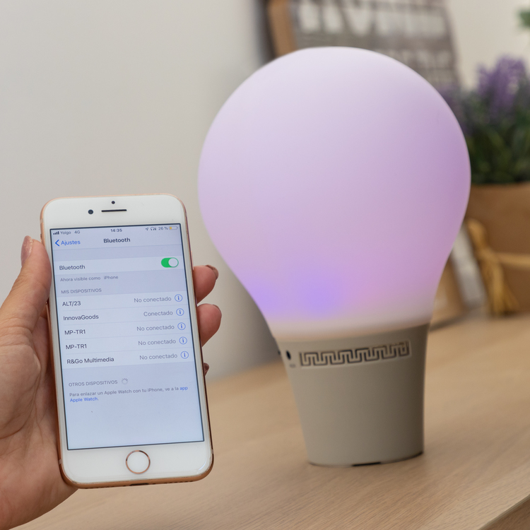Smart Led Lampa med Trådlös Högtalare