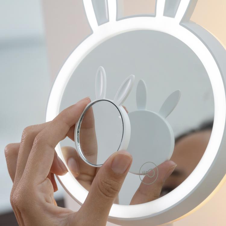 2-i-1 LED-Sminkspegel