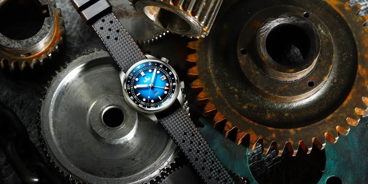PX023 B Blue Phoibos Eagle Ray Quartz GMT