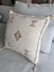 Cactus silk cushion - Cream