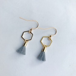Hexagon tassel earrings - Grey