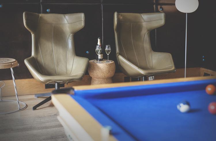 Gigantisk Champagnekork side table/pall