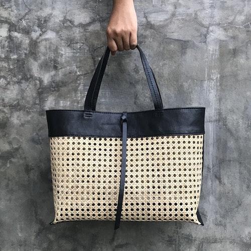 Alixtra Rattan Bag Black