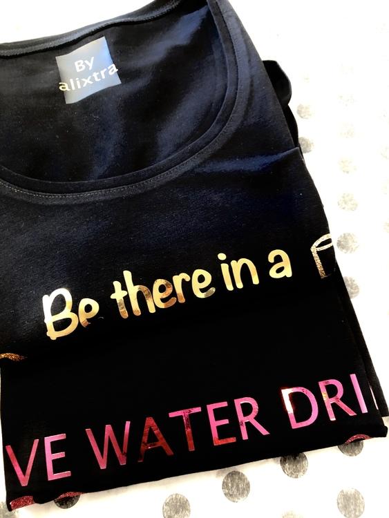 T-shirt svart eget tryck/egen text