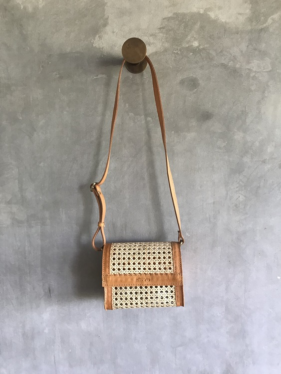 Alixtra Rotting Crossbody Bag Tan