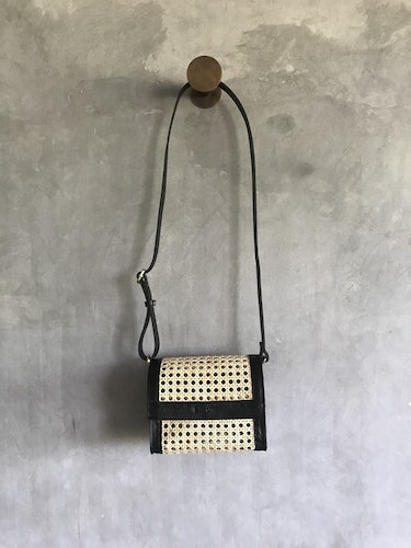 Alixtra Rotting Crossbody Bag Black
