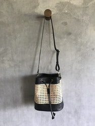 Alixtra Rotting Bucket Bag Black