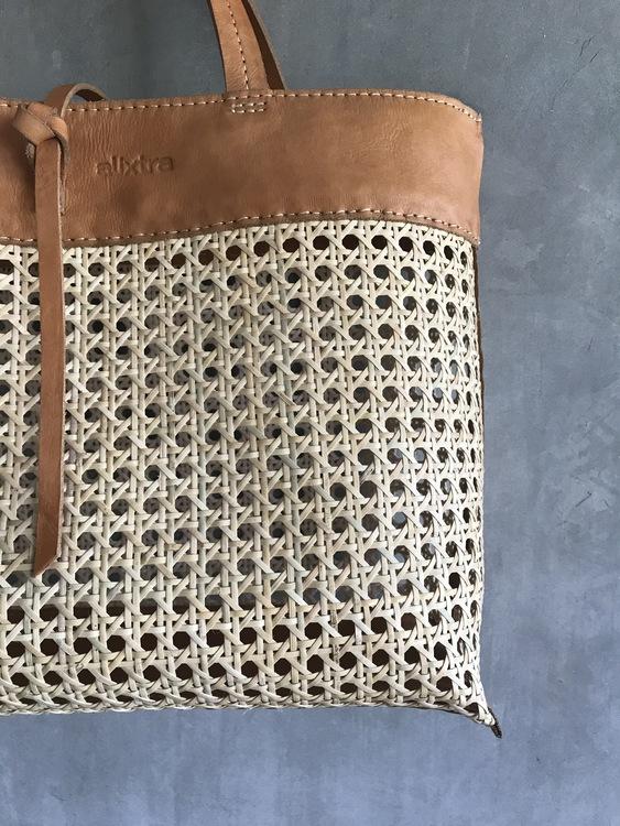 Alixtra Rotting Shopper Bag Tan