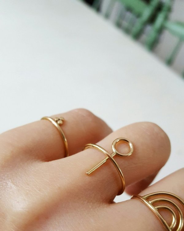 LILITH ROUND RING GOLD