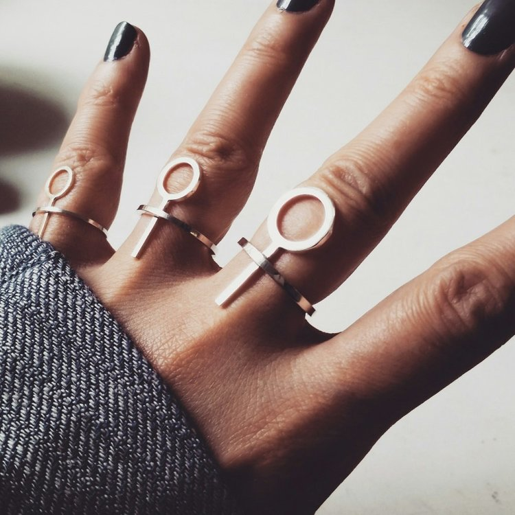 LILITH THIN RING