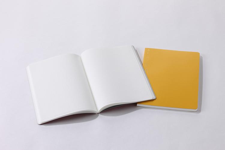 Stálogy 018 1/2 Year Notebook [B6] Röd