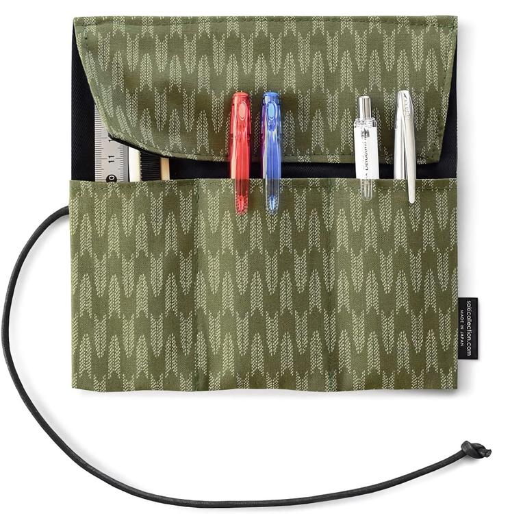 Saki P-661 Roll Pen Case Matchagrön
