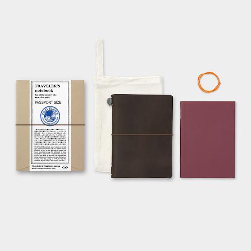 Traveler's Company Traveler's notebook – Brown, Passport size (Starter Kit)
