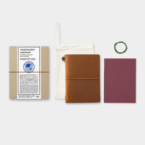 Traveler's Company Traveler's notebook – Camel, Passport size (Starter Kit)