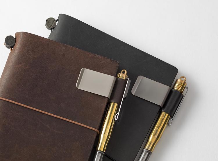 Traveler's Company Traveler's notebook - 016 Pen Holder (M) Black