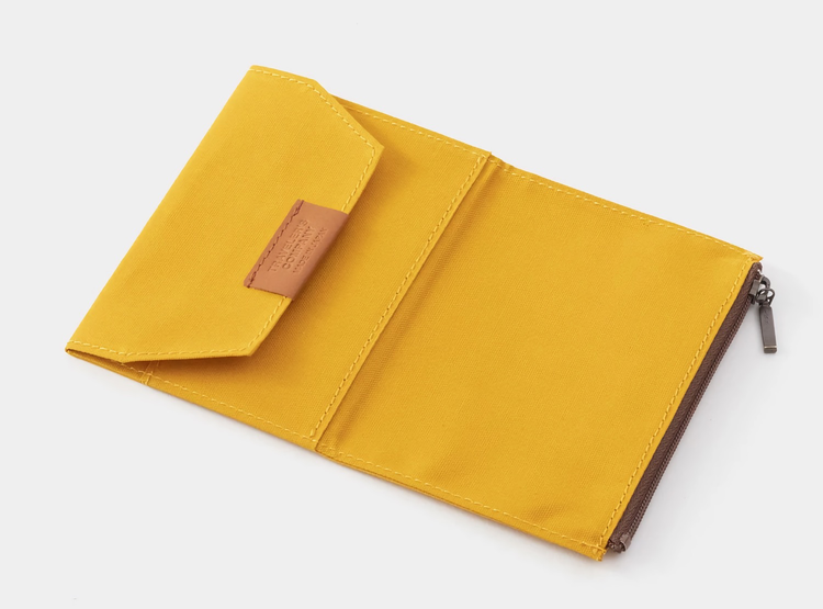 Traveler's Company Traveler's notebook - Cotton Zipper Case Mustard, Passport Size (B-Sides & Rarities)