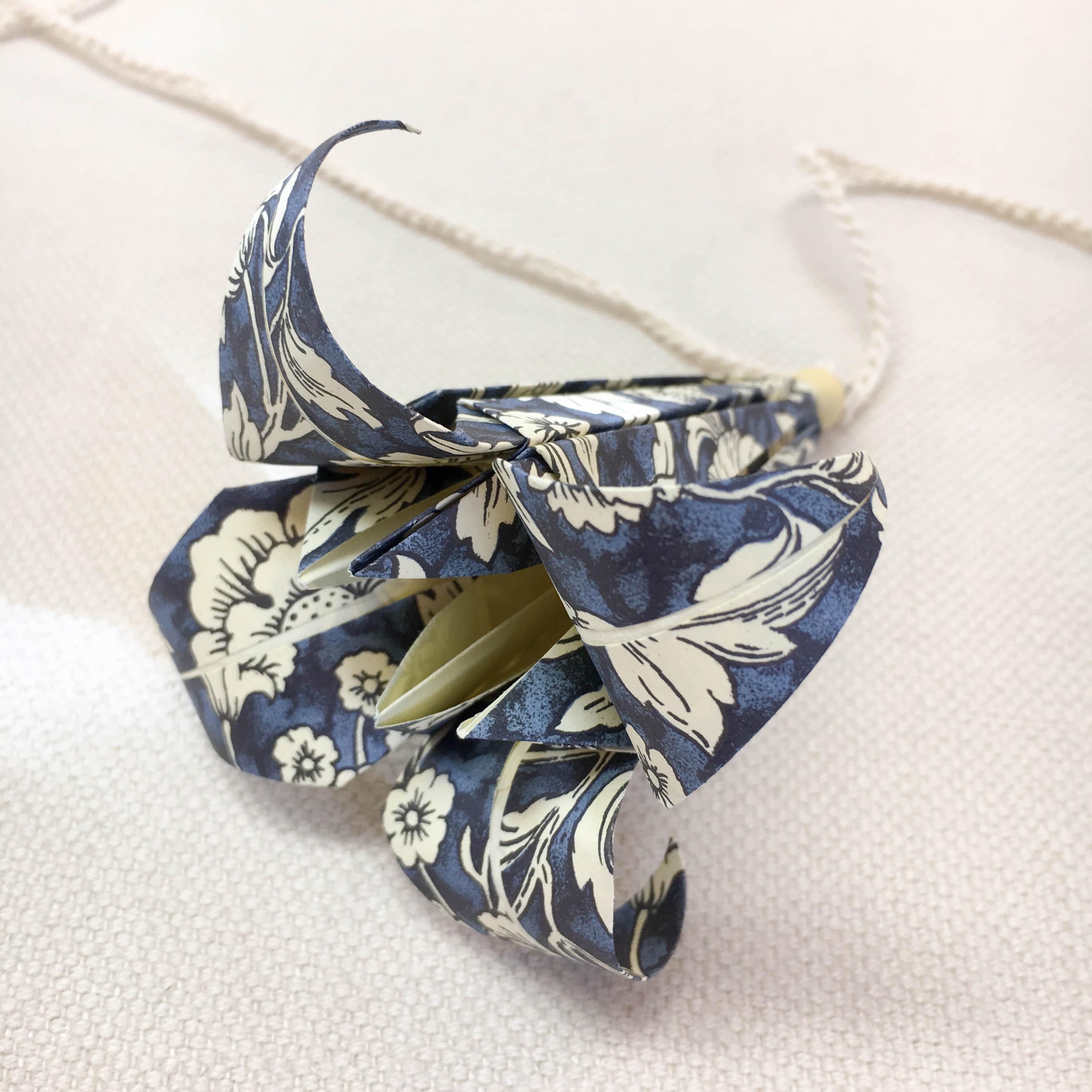Origami-slinga Blå Blomster