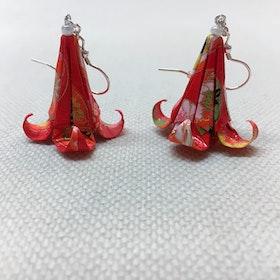 Örhänge Origami Lilja 1 st