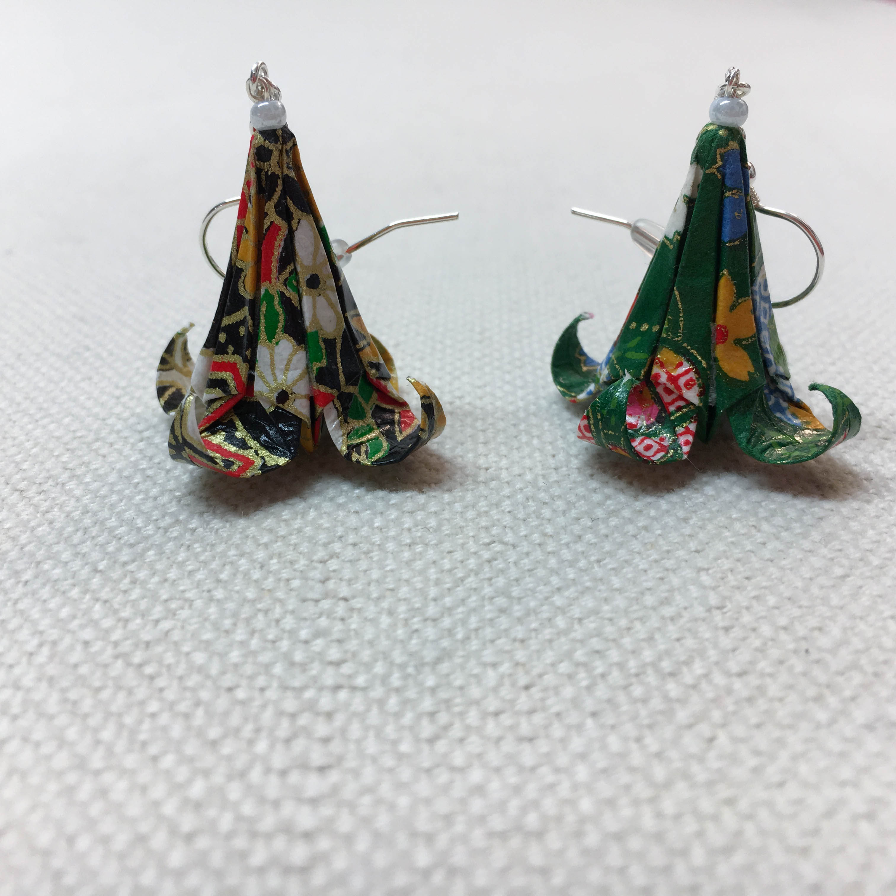 Örhänge Origami Lilja Par