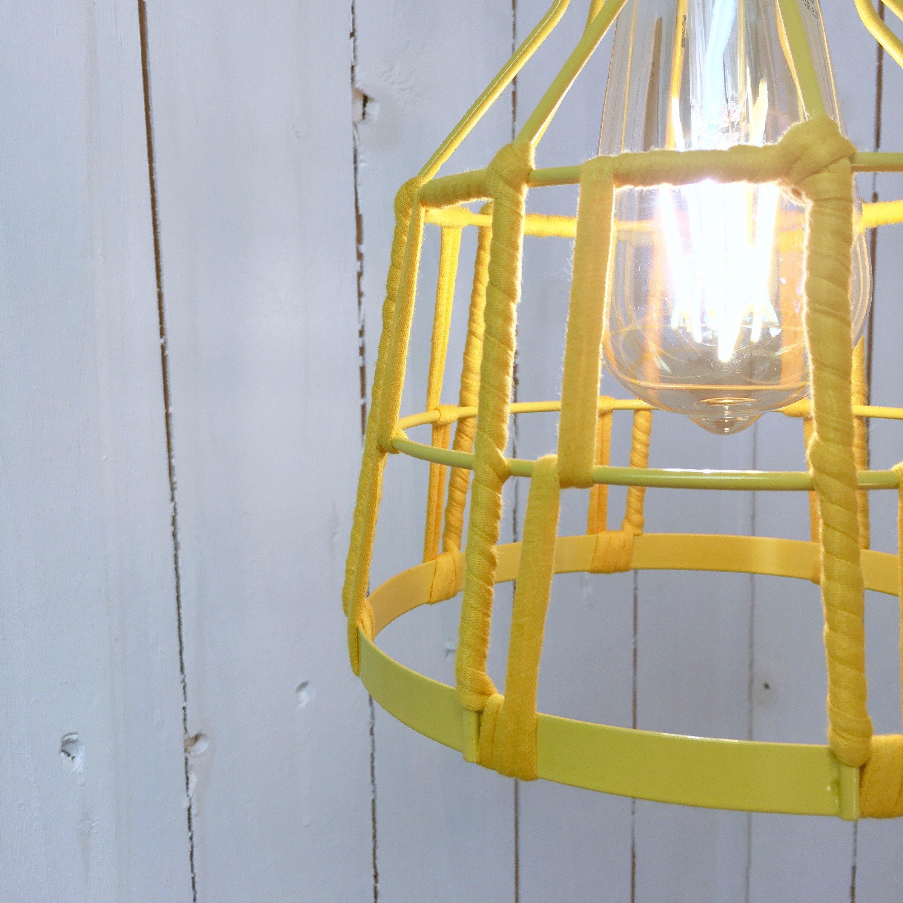 Hängande lampa Humlan